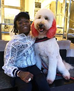 PsBattle: Lil Uzi Vert with big dog! Lil Uzi Vert Style, Rap Wallpaper, Wallpaper Stickers, Celebs, Celebrities, Mood Pics, Celebrity Crush, Role Models, Music Artists