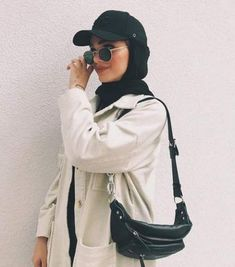 Hijab styles 721631540272049090 - Super sport fashion style clothes outfit ideas Source by Modern Hijab Fashion, Street Hijab Fashion, Hijab Fashion Inspiration, Muslim Fashion, Mode Inspiration, Modest Fashion, Fashion Outfits, Sport Fashion, Fashion Fashion