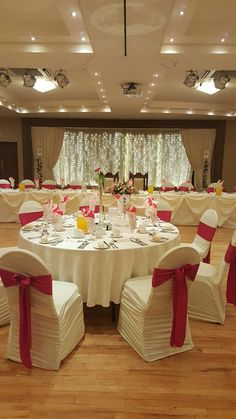 Pin by swift wedding services on weddings at castles of ireland allen suite with fuschia pink theme junglespirit Image collections