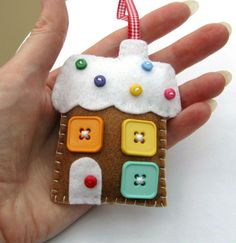 gingerbread house felt ornament / just a pic for inspiration