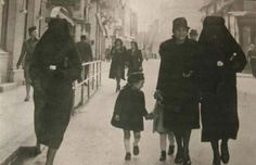 Inspirational: A Muslim woman protects a Jewish woman by covering her gold star in Sarajevo during World War II.