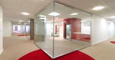 Zona de circulação nos escritórios da Touax em Paris, França