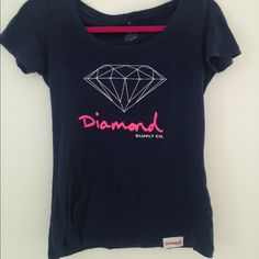 diamond tshirt Really cute diamond supply tshirt! Size medium buy can fit a small also. Only worn a couple of times and in great condition. Cheeper off posh Diamond supply and co  Tops
