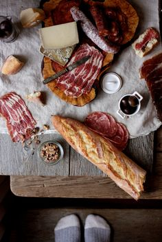 charcuterie boards    http://www.flickr.com/photos/fortysixthatgrace/5351866377/in/photostream/