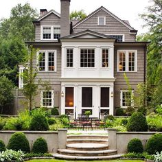 Southern Homes, Mid Century House, Beautiful Homes, Home And Family, Farmhouse, Exterior, Mansions, Architecture, House Styles