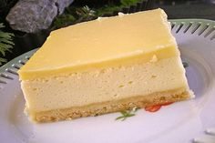 Topfenschnitten mit Vanillepuddingguss (no bake easter cake) Pudding Desserts, No Bake Desserts, Dessert Recipes, Lemon Cream Cake, German Baking, Torte Recipe, Different Cakes, Cheesecake Recipes, No Bake Cake