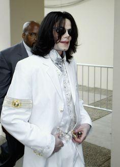 That waistcoat tho...💕💕