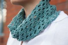 Swiss Tweed Crochet Cowl Pattern - Free Knitting Patterns by Hannah Maier