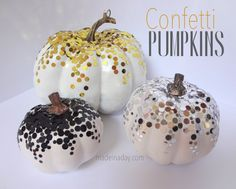 Confetti Pumpkins! - Made in a Day Diy Halloween, Holidays Halloween, Halloween Decorations, Happy Halloween, Thanksgiving Decorations, Halloween Garland, Halloween Tricks, Autumn Decorations, Halloween Projects