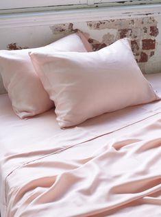Ettitude Organic Bamboo Lyocell Daydream Pillow Case Set - Cloud Pink
