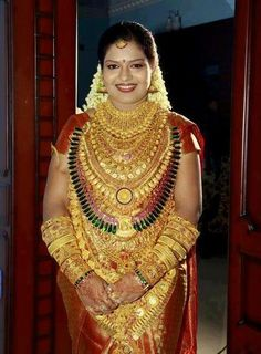 WOMAN IN GOLD OR GOLD MINE ON WOMAN..!!!