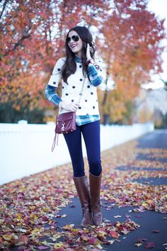 Love the plaid and polka dots. Unexpected and it works. Mixed patterns are my favorite Amber A