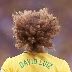 """""""I didn't think in style, is more for necessity. I felt very cold in the ears and I decided to let the hair grow"""" - David Luiz"""