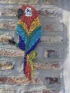 Coco perroquet Tile Art, Mosaic Art, Mosaic Glass, Mosaic Animals, Mosaic Birds, Mosaic Projects, Art Projects, Mosaic Garden, Artist Portfolio