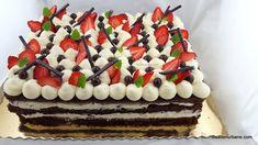 Tort de capsuni cu crema de mascarpone cu vanilie | Savori Urbane Birthday Cake, Cheese, Cream, Desserts, Food, Decor, Deserts, Mascarpone, Fine Dining
