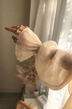 Cream Aesthetic, Gold Aesthetic, Classy Aesthetic, Aesthetic Photo, Aesthetic Pictures, Aesthetic Style, Oak And Fort, Look Fashion, Fashion Design