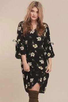 964af605fd4 Spaced Floral A Line Dress Model
