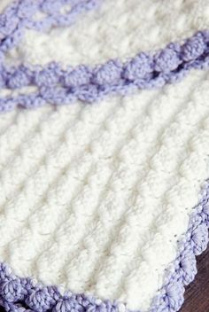 [Free Pattern] This Chic Crochet Baby Blanket Pattern With A Vintage Look Is Perfect For Both Boys And Girls