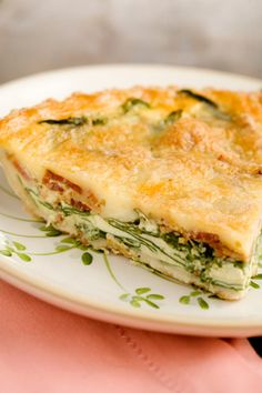 Paula Dean - Spinach and Bacon Quiche =Ingredients Add to grocery list 1 9 inch refrigerated piecrust, fitted to a 9 inch glass pie plate 1 1/2 cups shredded Swiss cheese 1 lb cooked bacon crumbled 2 cups chopped fresh baby spinach, packed Salt and pepper to taste 6 large eggs beaten 1 1/2 cups heavy cream