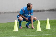 Joris Mathijsen doet het rustig aan op de training