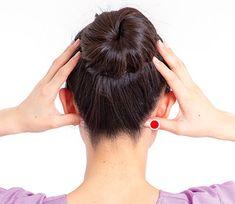 首のズレが関節痛の原因に!足首痛・腰痛・股関節痛を解消する「後頭部もみ」のやり方 - 特選街web Body And Soul, Health Fitness, Exercise, Acupuncture, Ejercicio, Excercise, Work Outs, Workout, Fitness