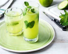 This cooling juice takes classic Mojito flavours & adds a healthy twist. Find healthy recipes for healthy juices like this Mojito magic at Tesco Real Food. Easy Smoothie Recipes, Yummy Smoothies, Juice Smoothie, Yummy Drinks, Healthy Recipes, Juice Recipes, Fun Drinks, Drink Recipes, Super Green Smoothie