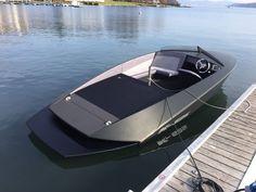 Darf ich vorstellen: unser neues Modell, ein K-625 SkiMachine mit Torqeedo Deep Blue 80i Elektroantrieb.