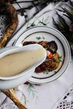 Wegan Nerd - Kuchnia roślinna : TRADYCYJNY SOS CHRZANOWY Sausage, Nerd, Thanksgiving, Cooking, Ethnic Recipes, Kitchen, Sausages, Thanksgiving Tree, Otaku