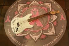 guitar w/ paramore signatures for Pink Tober ♥