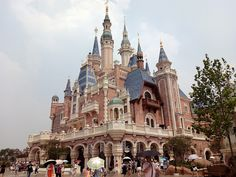 #Disneyland #Shanghai es un a buena alternativa turística si se tienen días extra en esta gran ciudad. #viajes #China #parques