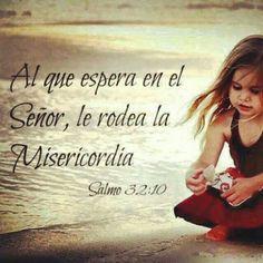 Salmo 32:10 Muchos dolores habrá para el impío; Mas al que espera en Jehová, le rodea la misericordia.♔