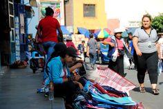 Según la Municipalidad de Lima, en el Centro Histórico sólo existen 2600 ambulantes autorizados.