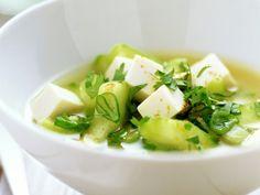 Misosoep met tofu en komkommer - Libelle Lekker!
