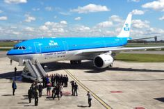 """KLM's A330-203 (PH-AOM) wears special """"Leader in biofuel"""" markings for the historic trip to Aruba."""