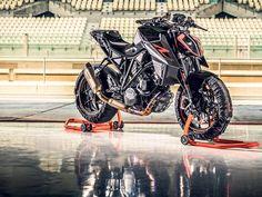 MILAN SHOW: 2017 KTM Super Duke R gets more extreme