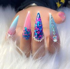 What Christmas manicure to choose for a festive mood - My Nails Dope Nails, Glam Nails, Fancy Nails, Bling Nails, Stiletto Nails, Nails On Fleek, Gorgeous Nails, Pretty Nails, Hair And Nails