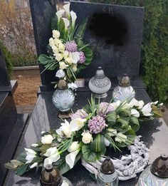 Flower Decorations, Table Decorations, Vence, Funeral Memorial, Funeral Flowers, Wedding Makeup, Floral Arrangements, Origami, Diy And Crafts