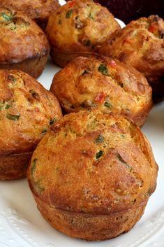 Yumuşacık Kahvaltılık Sucuklu Muffin #yumuşacıkkahvaltılıksucuklumuffin #kahvaltılıktarifler #nefisyemektarifleri #yemektarifleri #tarifsunum #lezzetlitarifler #lezzet #sunum #sunumönemlidir #tarif #yemek #food #yummy