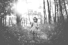 two year old girl outdoor session, photo shoot