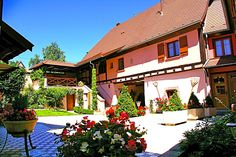 Le CLOS DES RAISINS guesthouse on the Wine Route in Alsace, close to Riquewihr and Colmar.