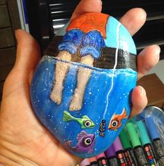 50 best painted rocks ideas, weapon to wreck your boring time. Rock Painting Ideas Easy, Rock Painting Designs, Paint Designs, Pebble Painting, Pebble Art, Stone Painting, Stone Crafts, Rock Crafts, Pierre Decorative