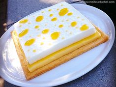 Square pie two lemons Desserts Français, Desserts With Biscuits, French Desserts, Dessert Recipes, Lemon Recipes, Pie Recipes, Baking Recipes, Sweet Recipes, Recipies