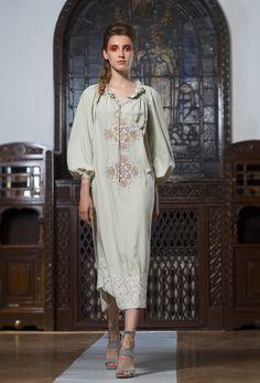 """Primii zece pasi"" - New Collection Adrian Oianu Cover Up, Cold Shoulder Dress, Ankara, Casual, Fashion Ideas, Designers, Collections, Dresses, Vestidos"