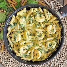 This Creamy Saffron Pasta Recipe with Shrimp & Spinach is loaded with flavors, easy to make and done in under 30 minutes. Creamy Shrimp Scampi, Prawn Pasta, Seafood Pasta, Seafood Dinner, Best Shrimp Recipes, Seafood Recipes, Pasta Recipes, Fish Recipes, Delicious Recipes