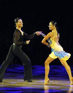 BALLROOM DANCE - latin dance sport - samba (www.cursuridans.com)