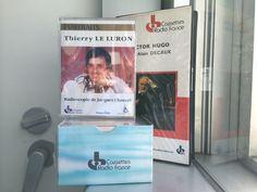 Les Cassettes Radio France, témoins de l'époque révolue de la cassette audio.