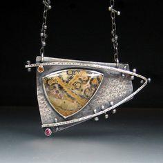 Geek Jewelry, Gothic Jewelry, Jewelry Art, Jewelry Design, Urban Jewelry, Designer Jewelry, Metal Clay Jewelry, Pendant Jewelry, Gemstone Jewelry