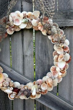Crafts from natural materials with their hands-008