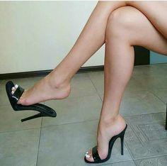 Pretty Toes In Heels #platformhighheelssandals