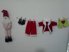 Santa con tendedero de ropa